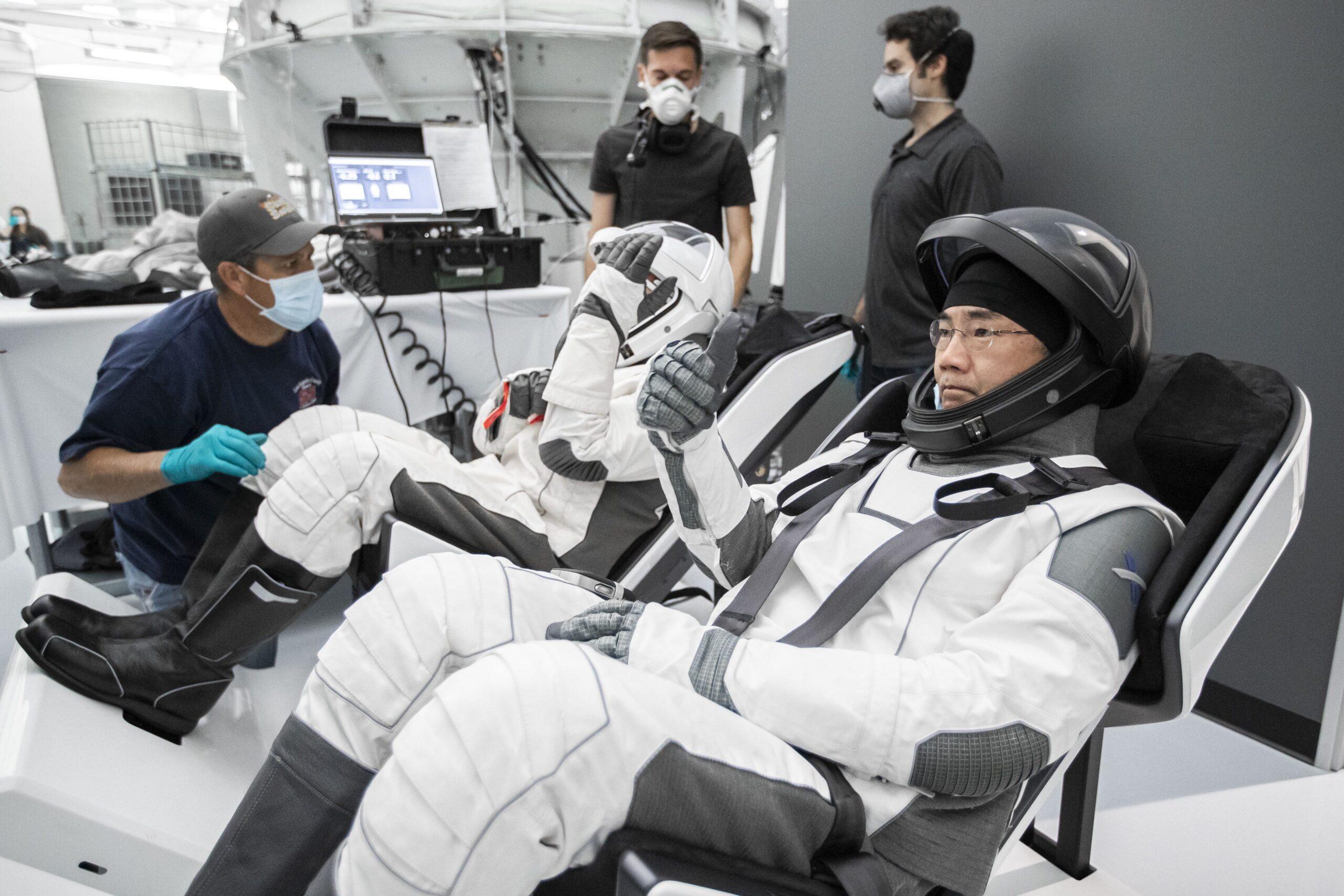 Soichi Noguchi tuta SpaceX