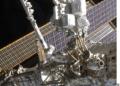 la ELC-2 sul Canadarm 2 prima della sua collocazione sul segmento S3, sempre durante la missione STS-129