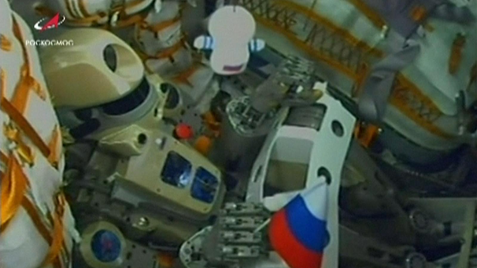 Il robot Fedor all'interno della capsula Soyuz.