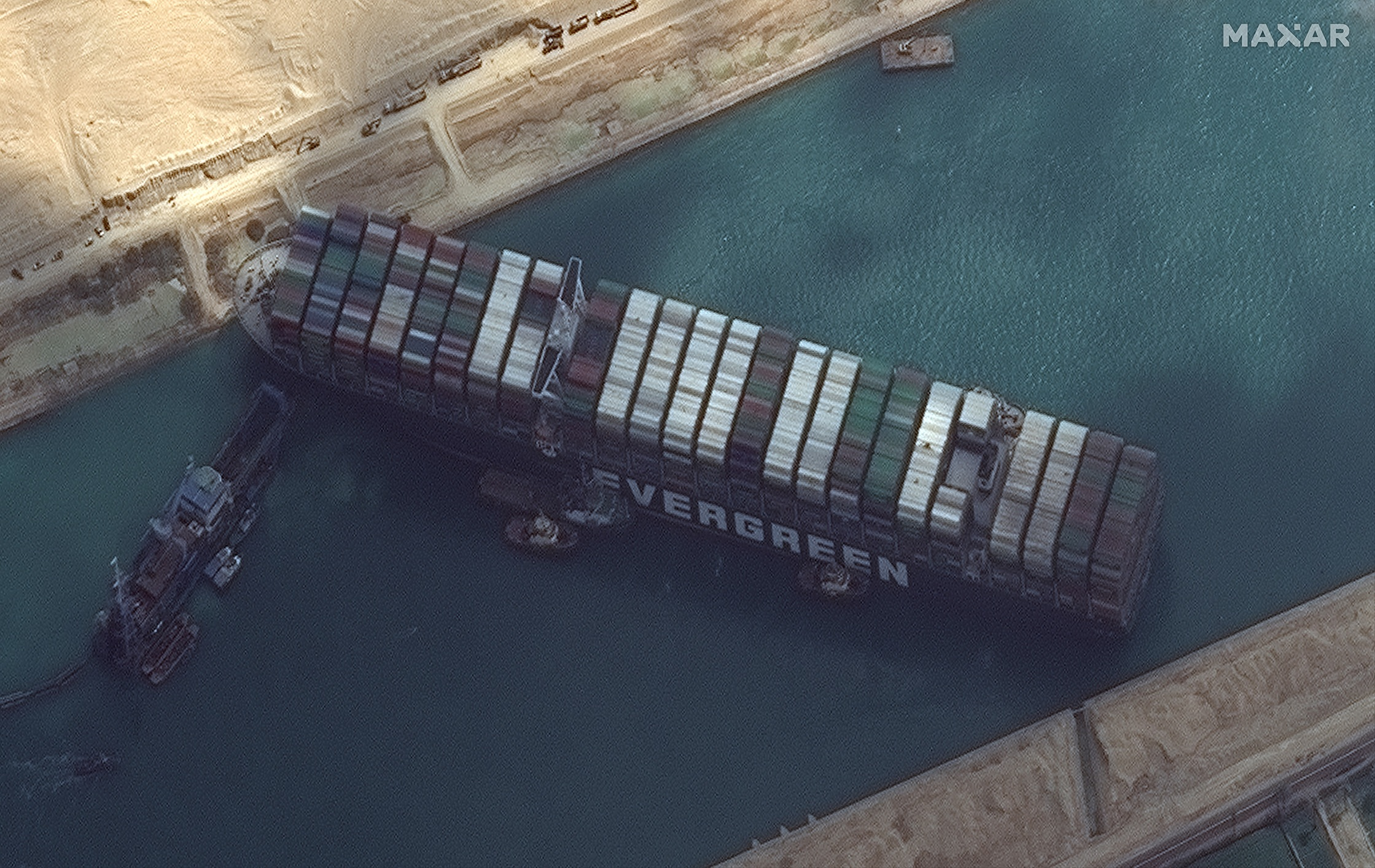 La nave Ever Given fotografata dal satellite WorldView 2 di Maxar Technologies. Credits: Maxar Technologies