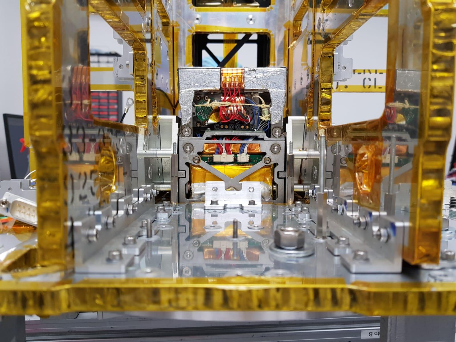Il motore REGULUS, integrato nel dispenser UNISAT-7. Credits: T4i.