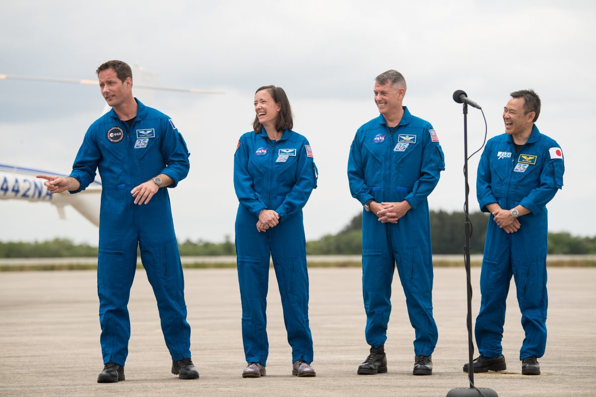 Da sinistra, Thomas Pesquet, Megan McArthur, Shane Kimbrough e Akihiko Hoshide, gli astronauti di Crew-2. Credits: NASA.