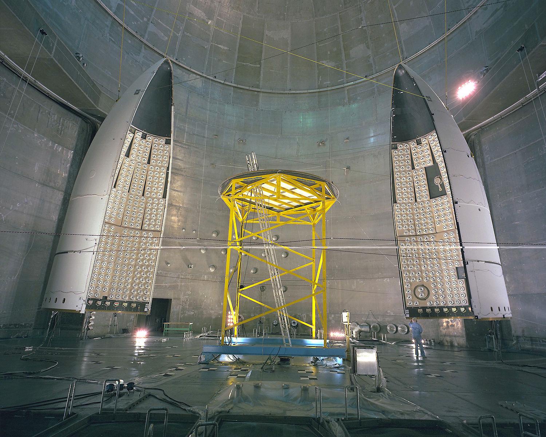 Uno dei primi test al fairing dell'Ariane V, eseguito nel 1994. Credits: NASA/Quentin Schwinn