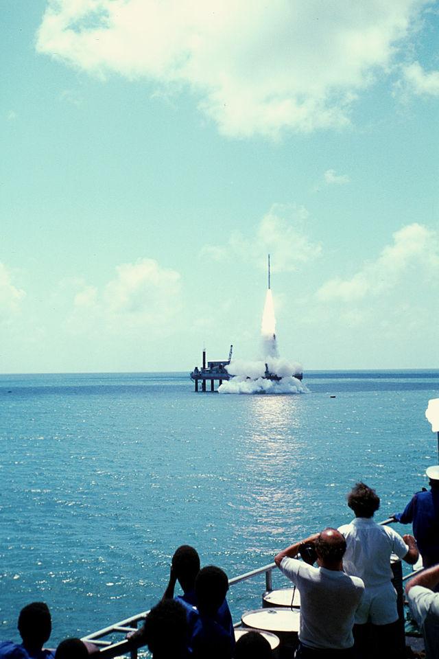 Il lancio del satellite Ariel 5 nel 1974 dalla piattaforma San Marco.