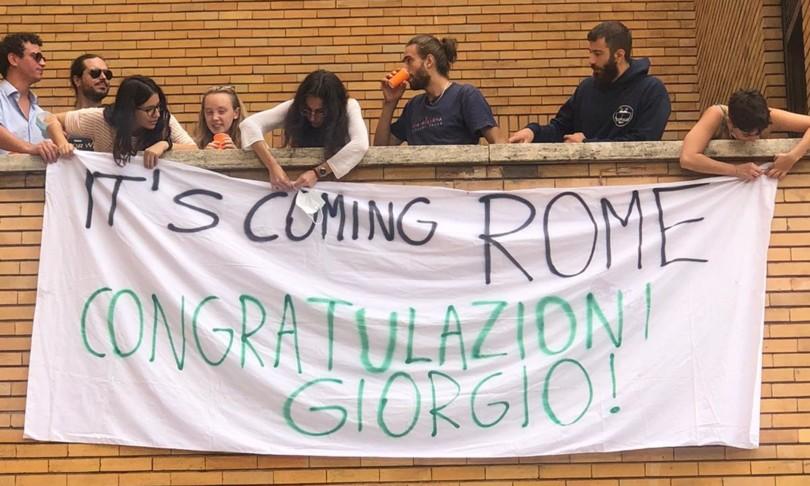 Striscione congratulazioni a Giorgio Parisi Roma